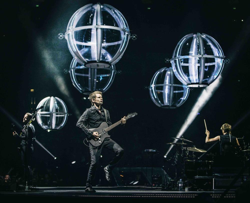 Muse: Drones World Tour, un'immagine del film concerto