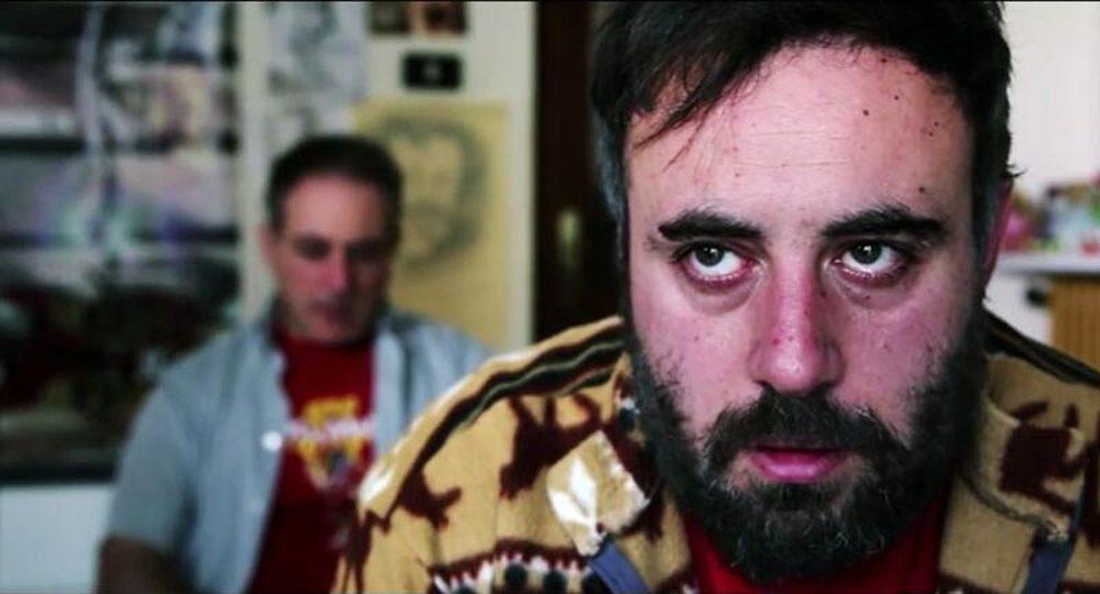 Peggio per me: Claudio Camilli in una scena del film