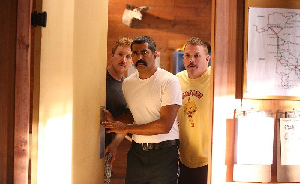 Super Troopers 2: Jay Chandrasekhar, Paul Soter e Kevin Heffernan in una scena del film
