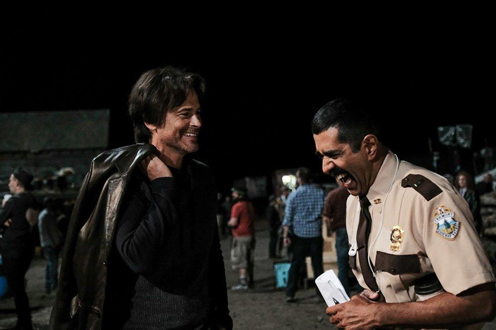 Super Troopers 2: Rob Lowe e Jay Chandrasekhar in una scena del film