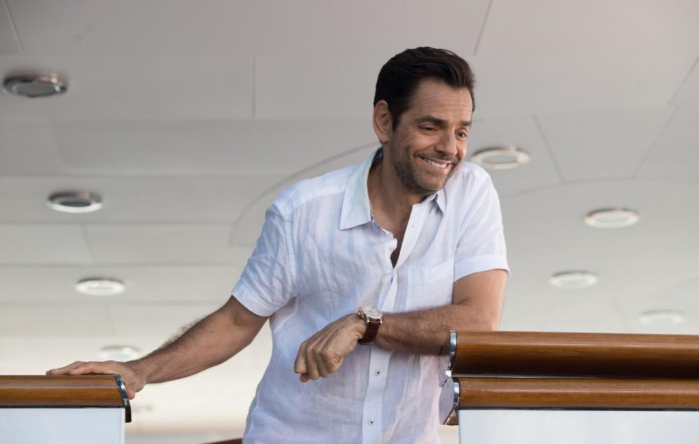 Overboard: Eugenio Derbez in una scena del film