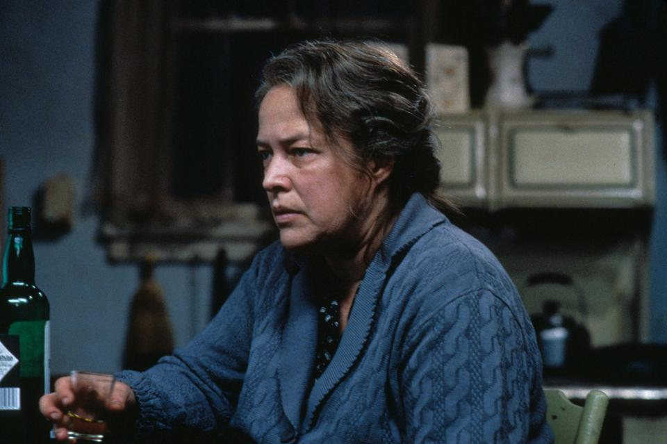 L'ultima eclissi: Kathy Bates in una scena del film