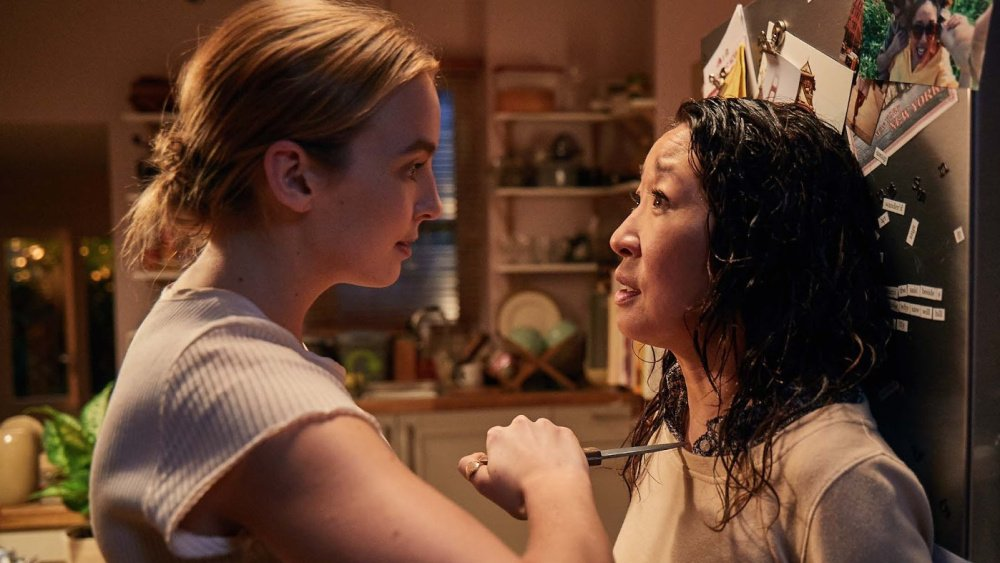 Killing Eve: Sandra Oh e Jodie Comer nell'episodio I Have a Thing About Bathrooms