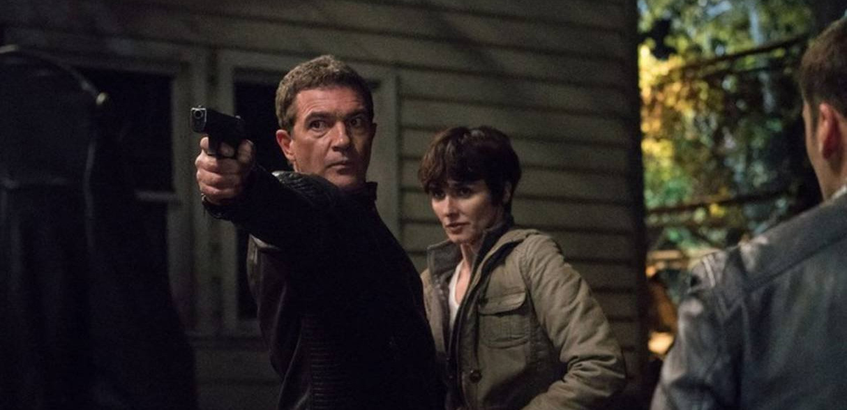 Antonio Banderas in una scena di Act of Vengeance
