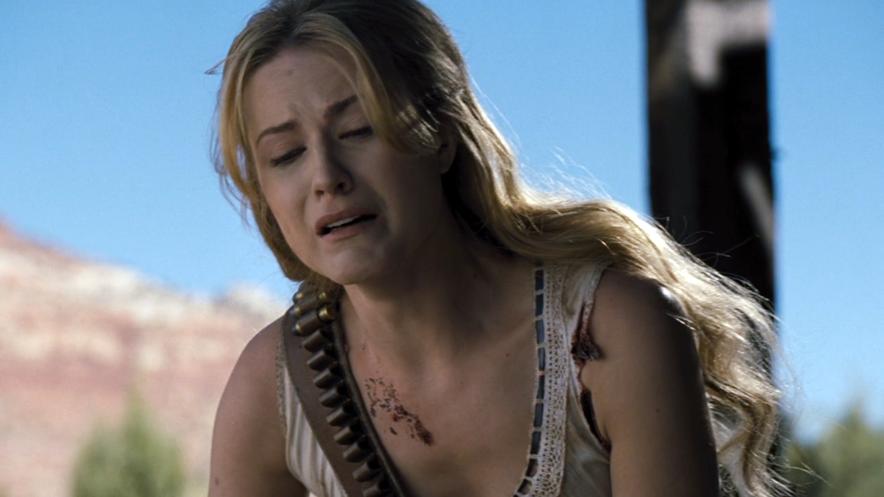 Westworld: Dolores piange la morte di Teddy