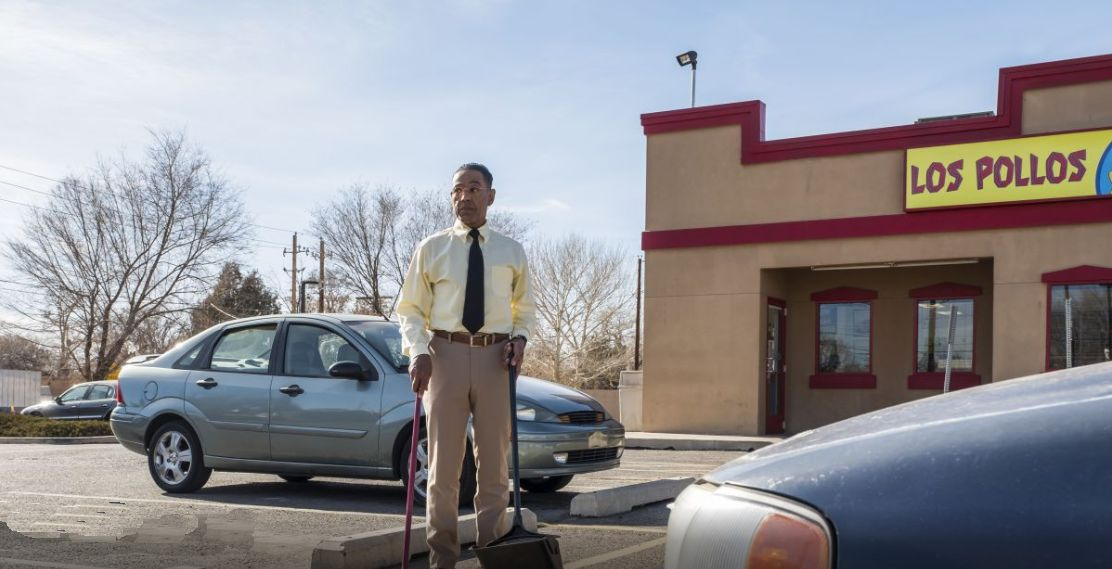 Better Call Saul: Giancarlo Esposito in una scena