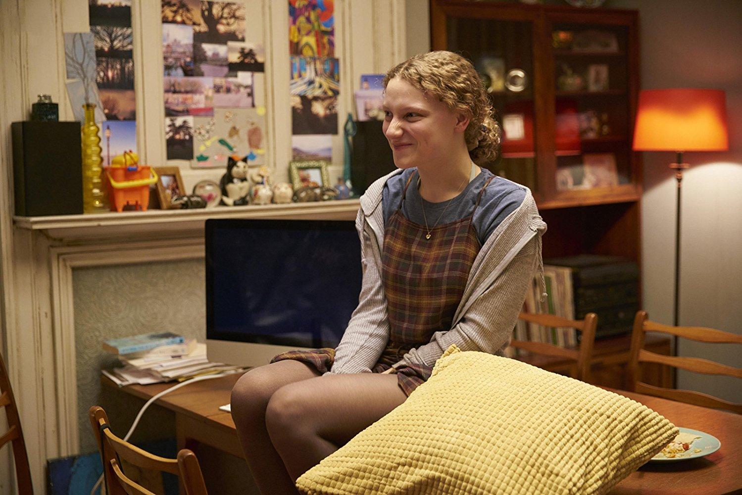 Kiss Me First: Tallulah Haddon in una scena dell'episodio Make It Stop