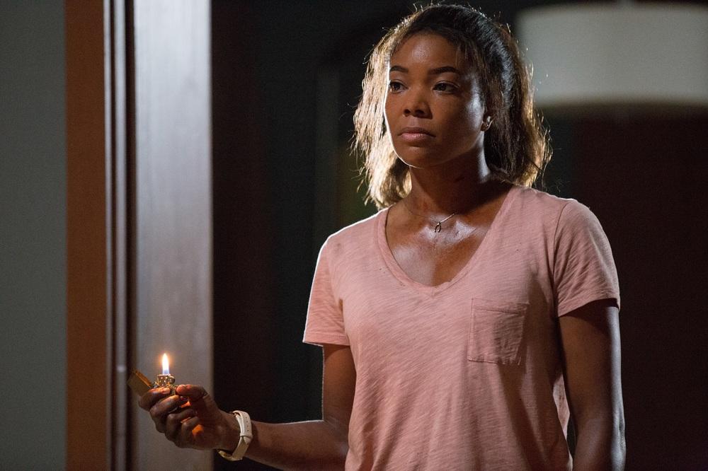 Breaking In: Gabrielle Union in una scena del film