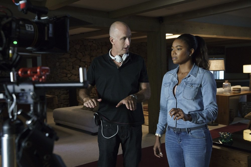 Breaking In: il regista James McTeigue e Gabrielle Union sul set del film