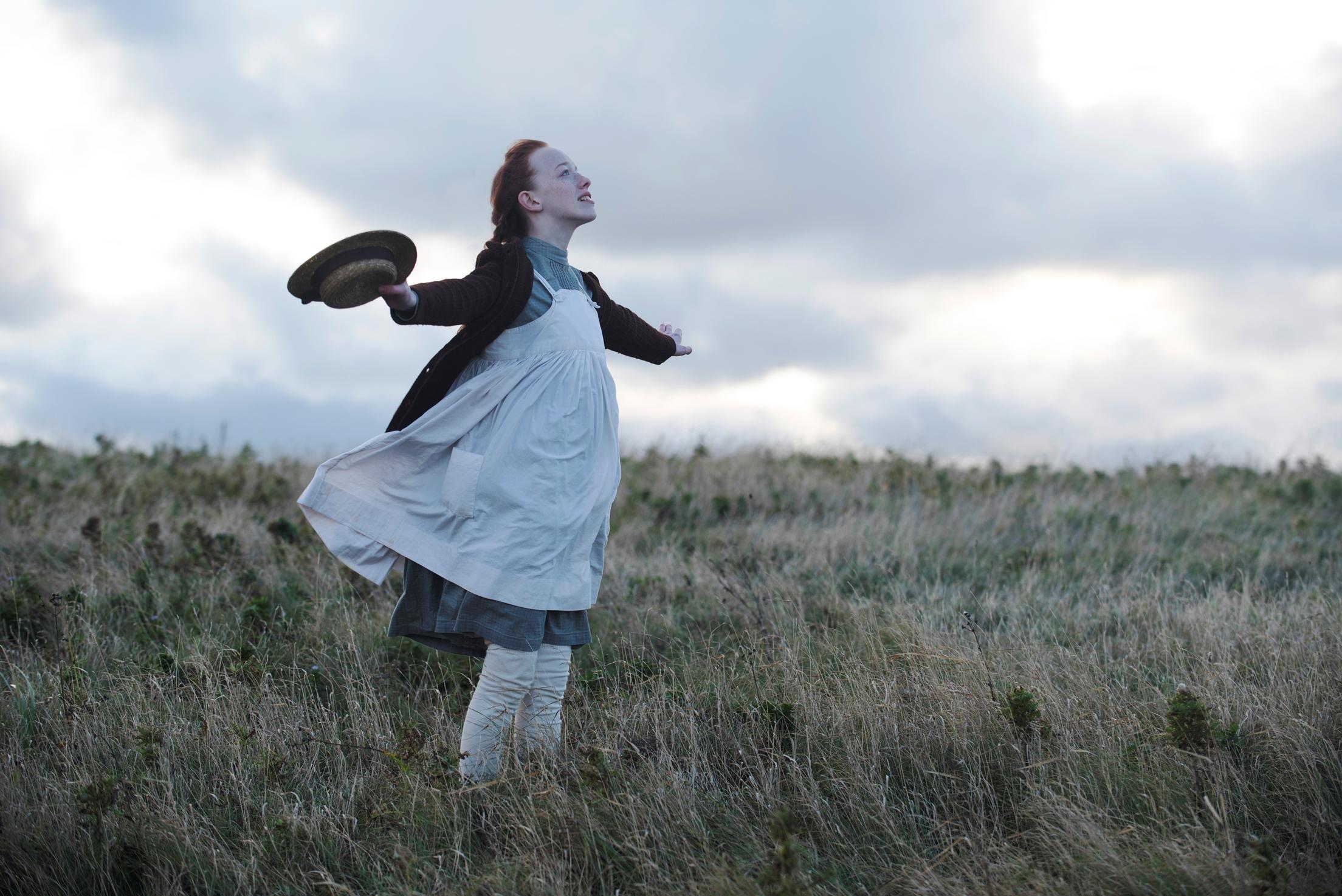 Chiamatemi Anna: Amybeth McNulty in una scena dell'episodio Youth is the Season of Hope