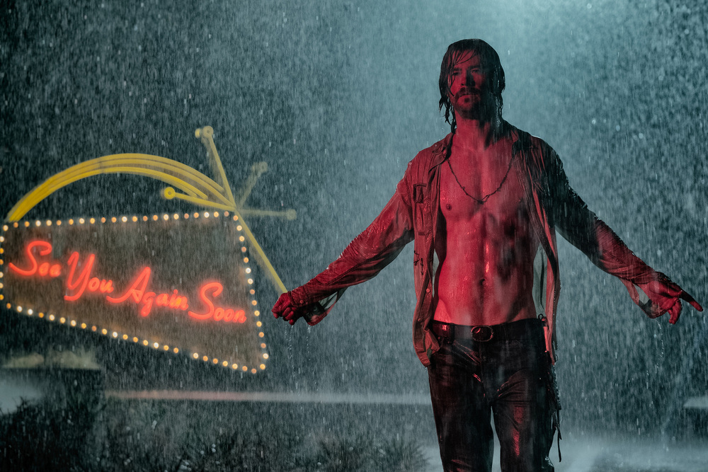 Bad Times at the El Royale: Chris Hemsworth in una foto del film