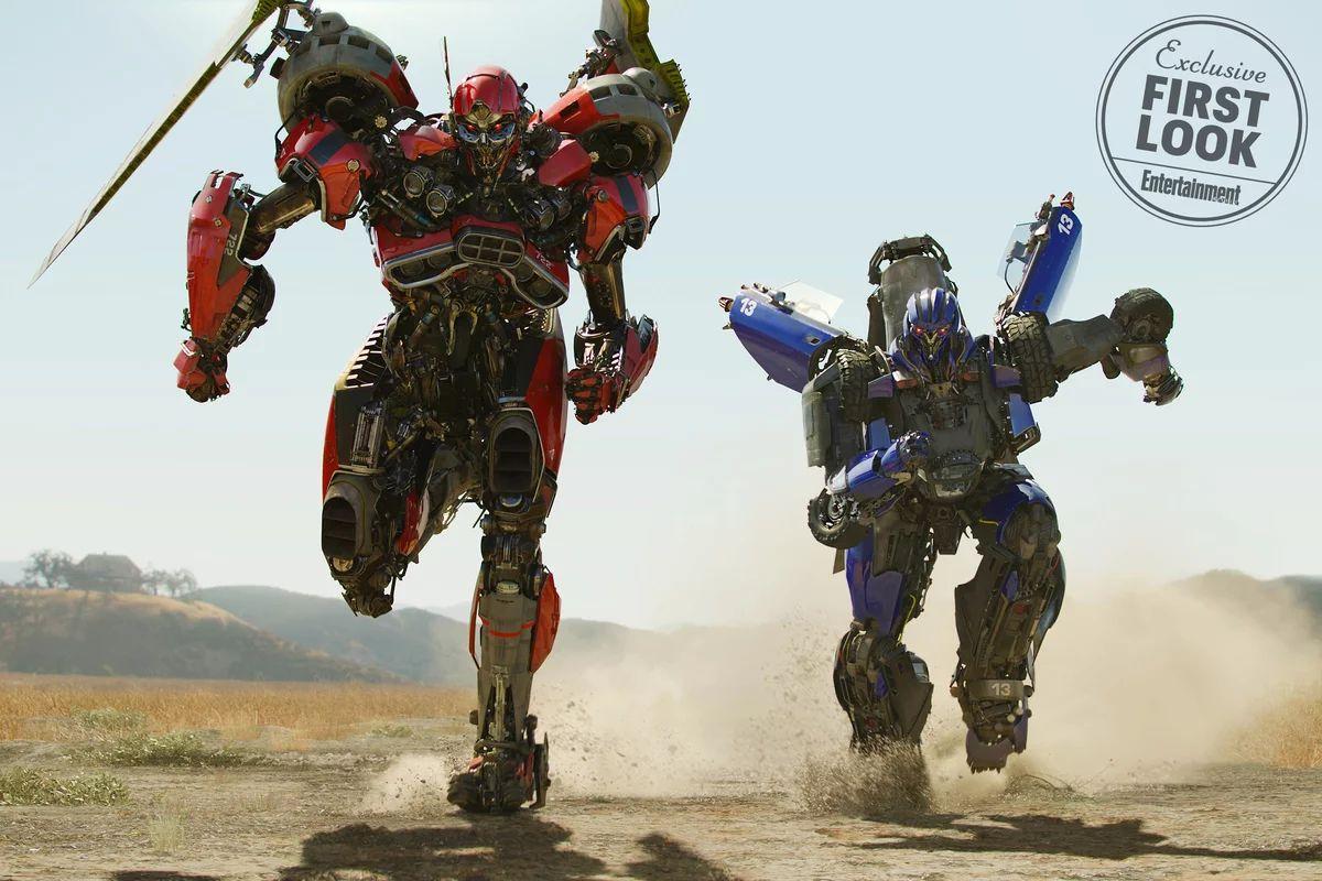 Bumblebee: una nuova foto del film ritrae i Decepticon