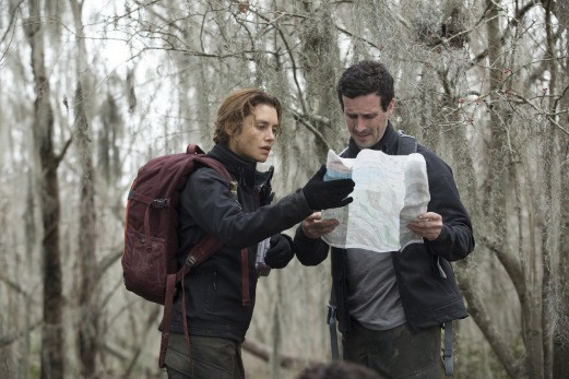 The First: Hannah Ware e James Ransone in missione