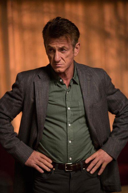 The First: Sean Penn in una foto della serie Hulu