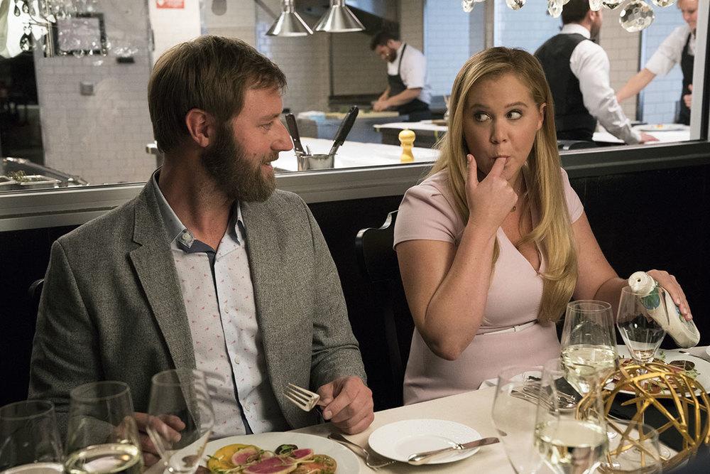 Come ti divento bella: Rory Scovel e Amy Schumer in una scena del film