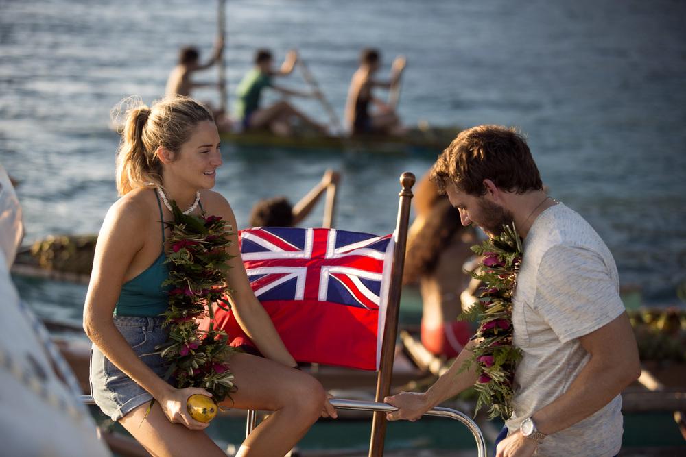 Resta con me: Shailene Woodley e Sam Claflin in un momento del film