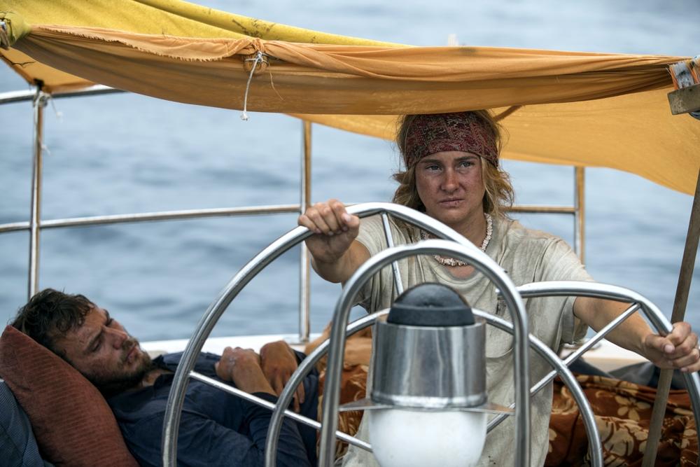 Resta con me: Shailene Woodley e Sam Claflin in una scena del film