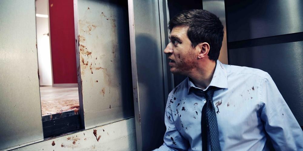 The End? L'inferno fuori: Alessandro Roja in una scena del film