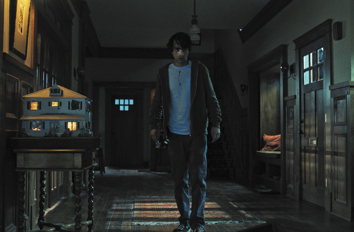 Hereditary: Alex Wolff in un momento del film