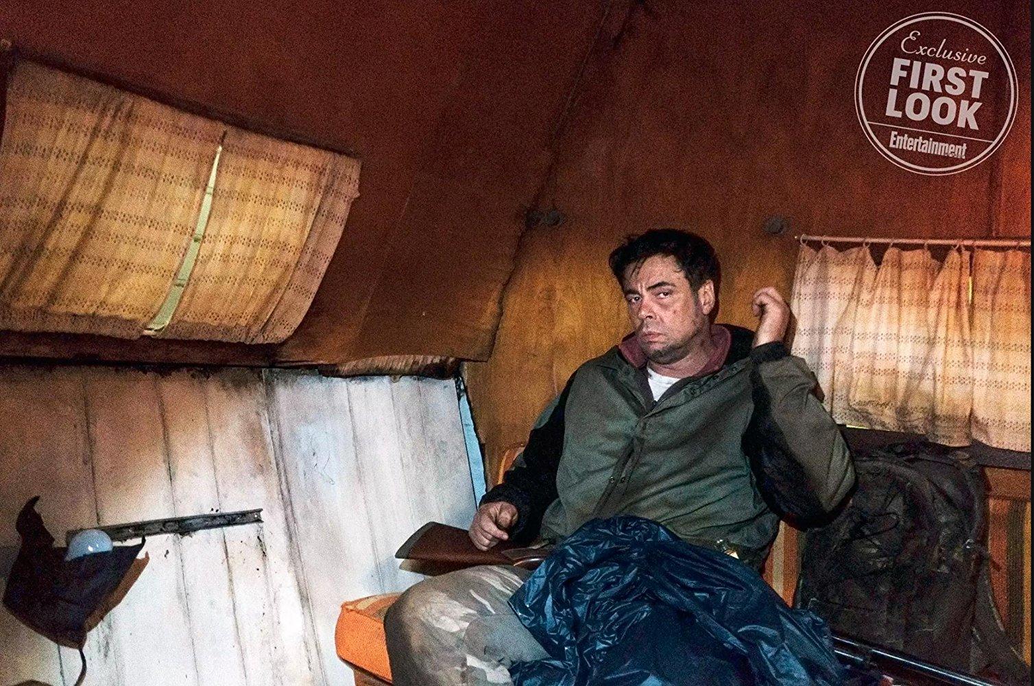 Escape at Dannemora: Benicio Del Toro in una scena