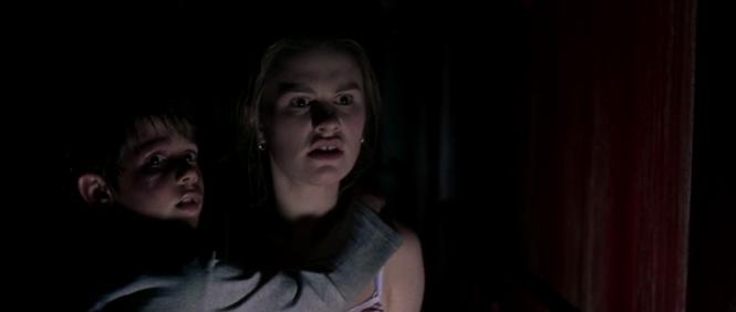 Darkness, Anna Paquin in una scena del film di Balaguerò