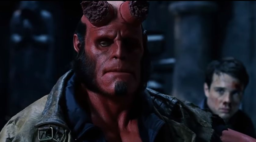 Hellboy, Ron Perlman in una scena