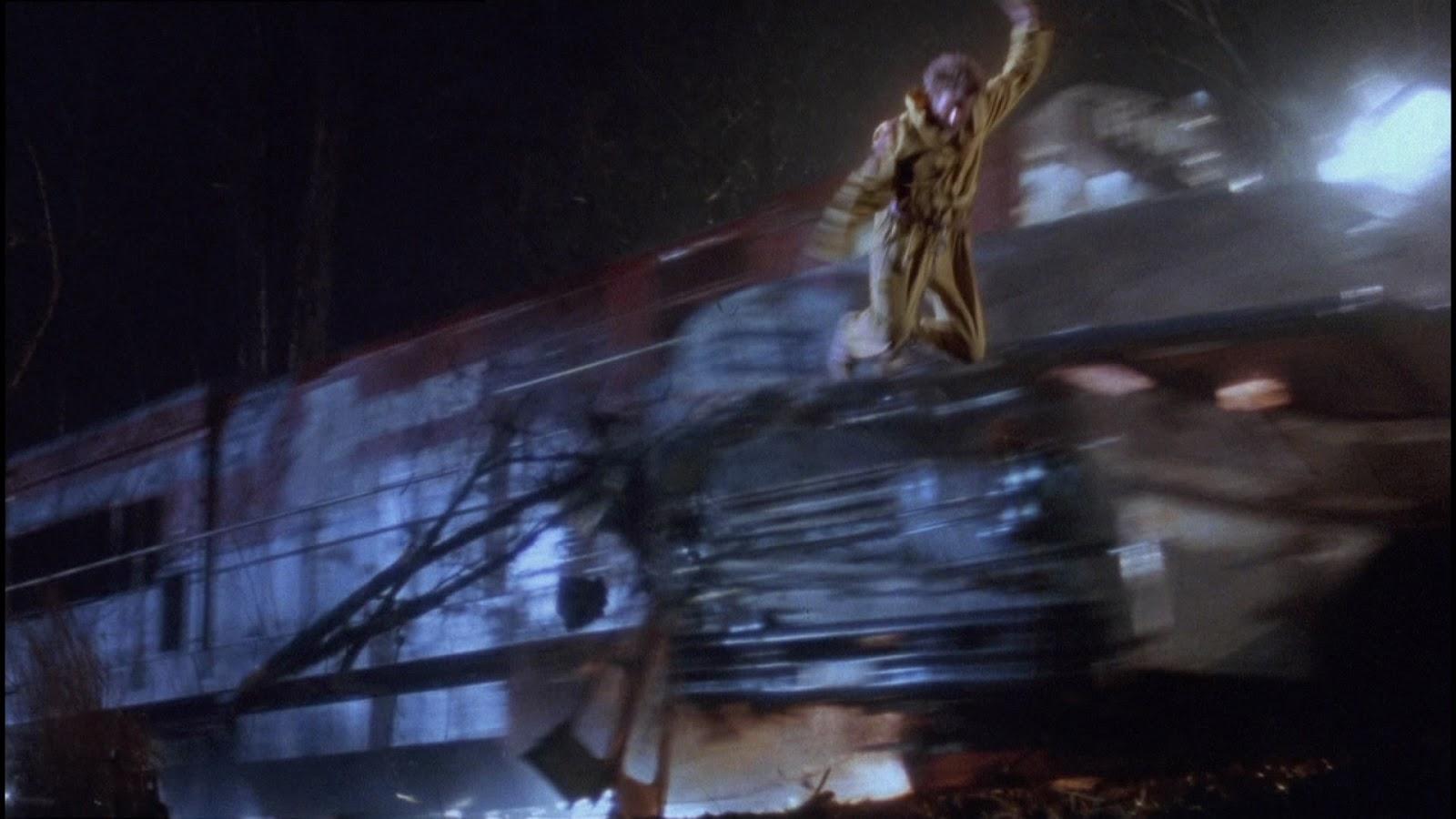 Il fuggitivo: Harrison Ford in una scena d'azione del film