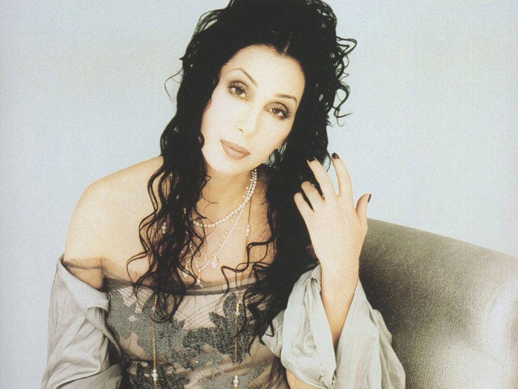 Cher nel video musicale Believe