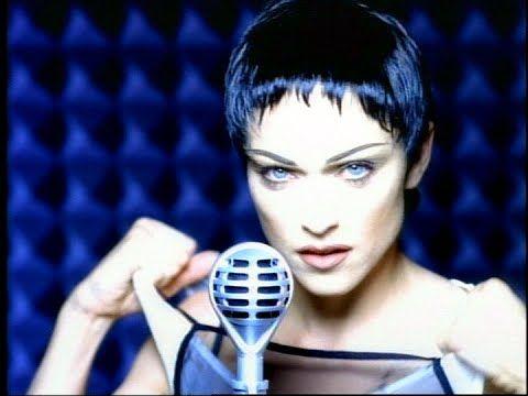Madonna nel video di Rain