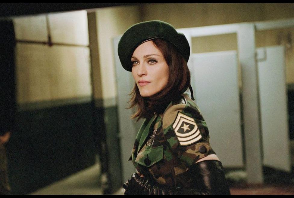 Madonna nel video American Life
