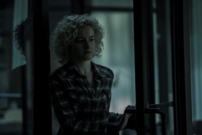 Ozark: Julia Garner in una scena della seconda stagione