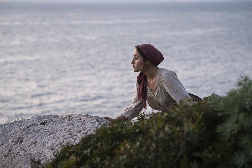 Capri - Revolution: Marianna Fontana in una scena del film