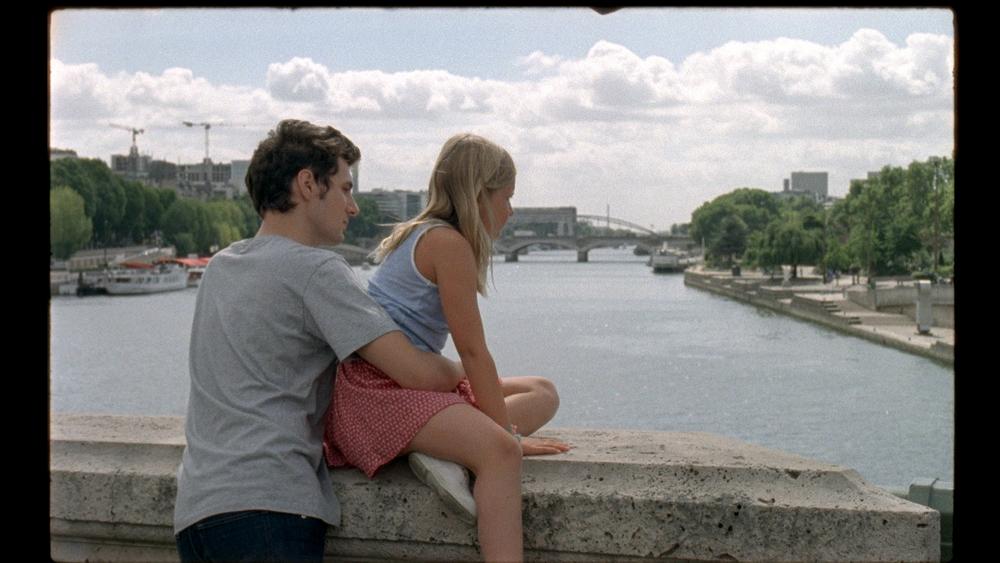 Amanda: Isaure Multrier e Vincent Lacoste in un'immagine del film