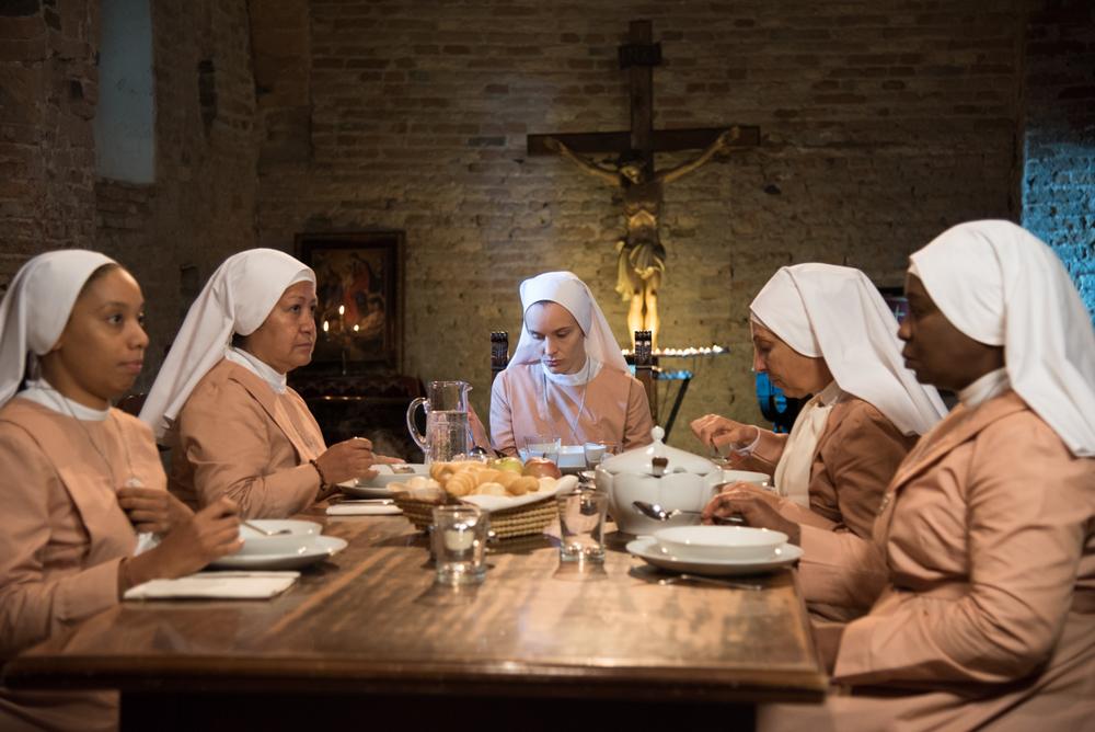Beate: Maria Roveran e Lucia Sardo in un'immagine del film