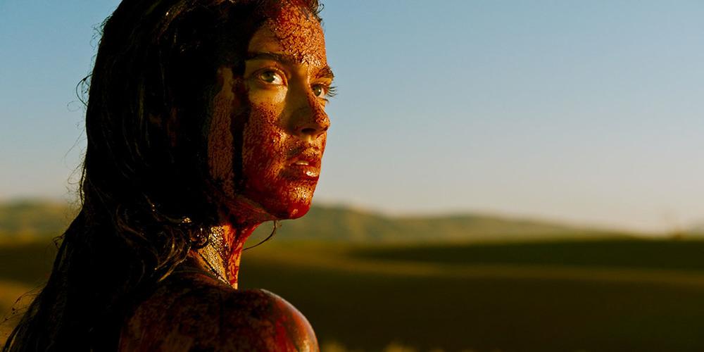 Revenge: Matilda Lutz in un momento del film