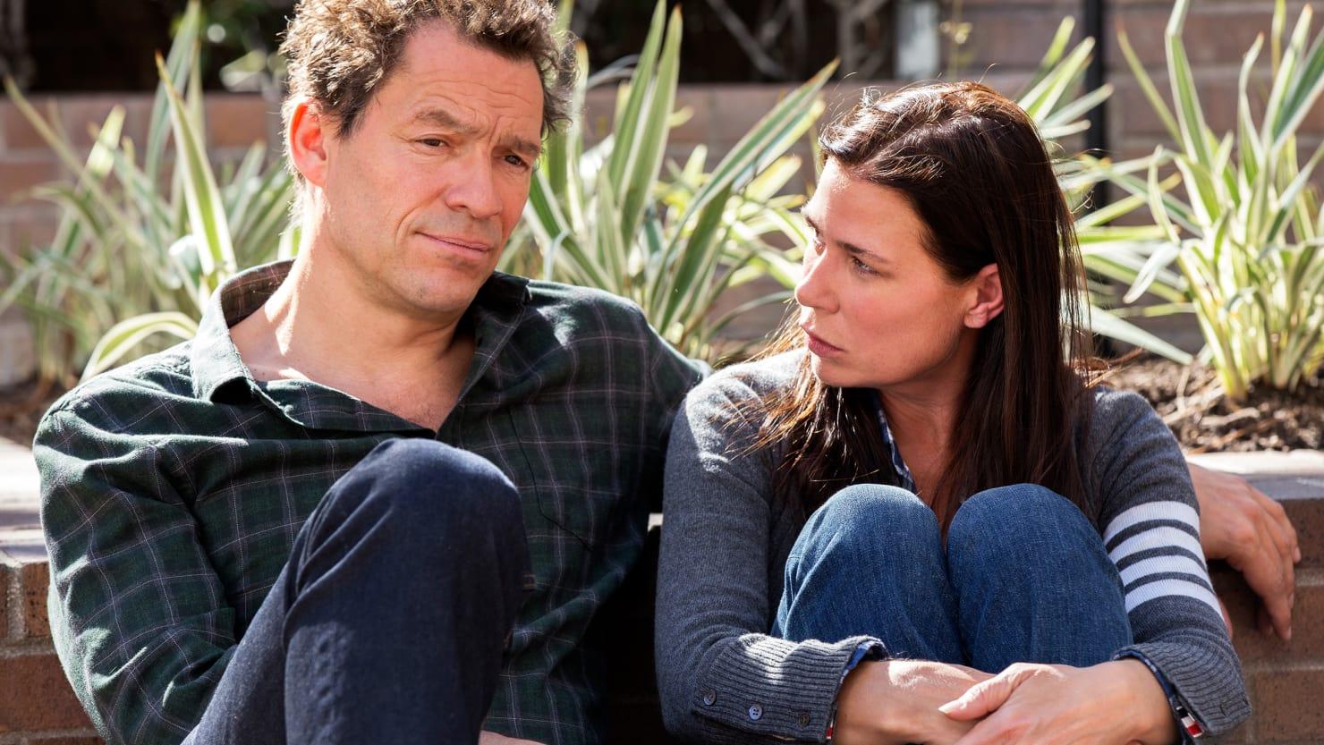 The Affair: Maura Tierney e Dominic West in una scena