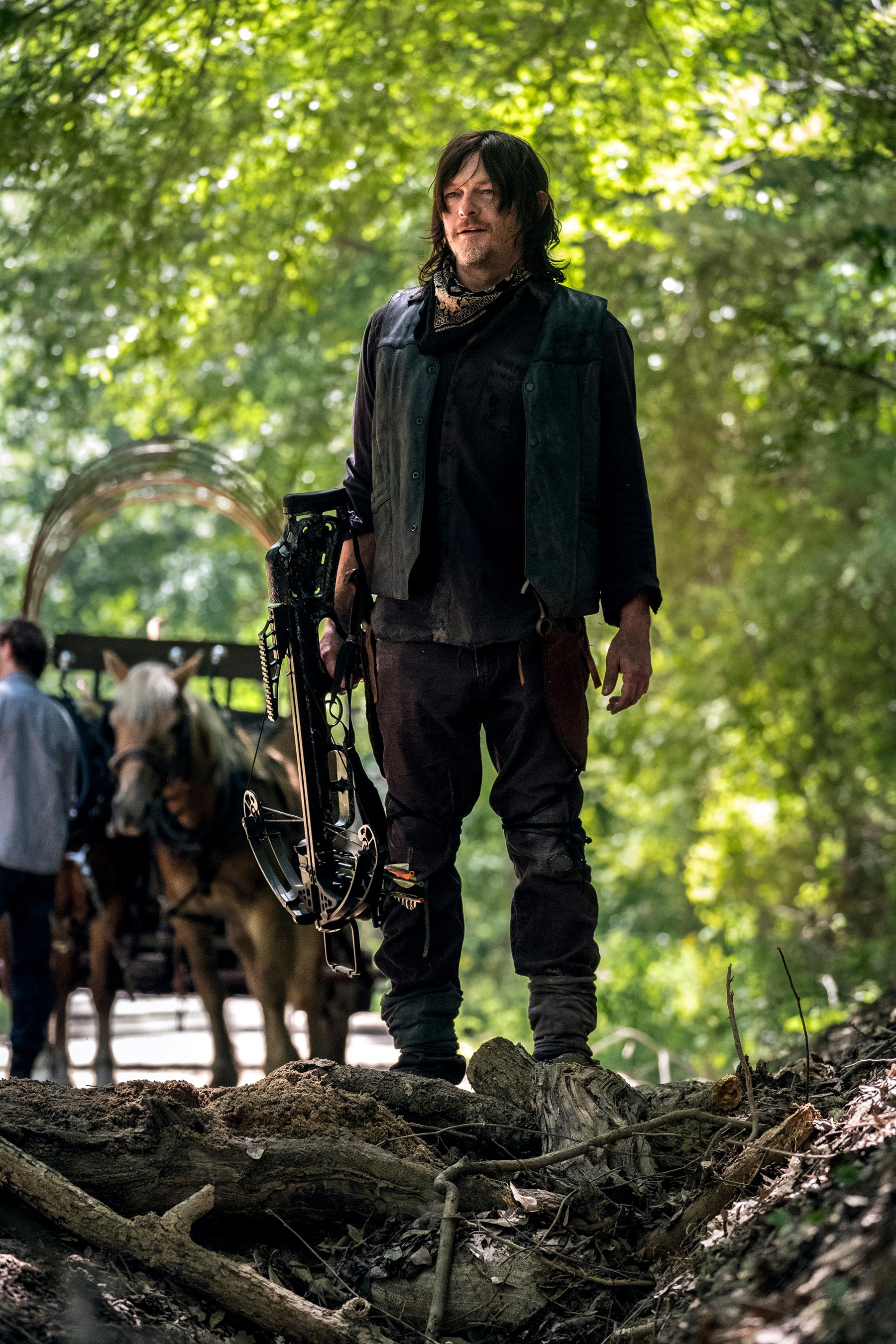 The Walking Dead: Norman Reedus imbraccia le armi