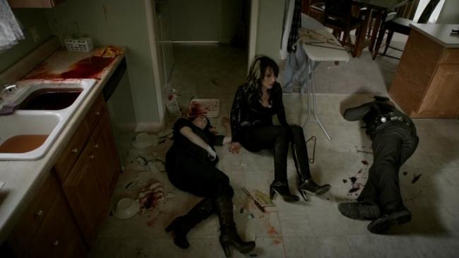 Sons of Anarchy: una drammatica foto della morte di Tara