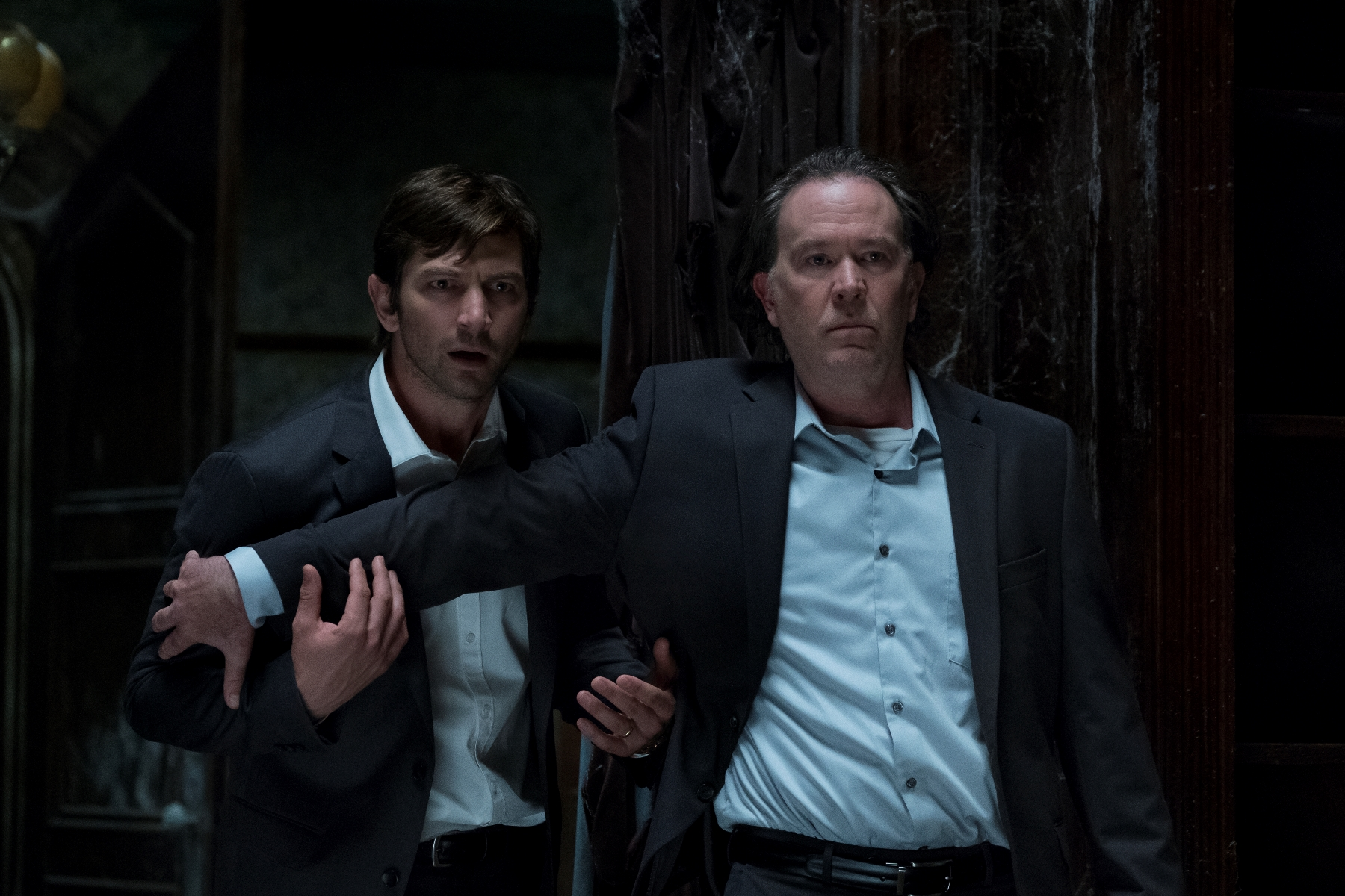 The Haunting of Hill House: Timothy Hutton in una scena