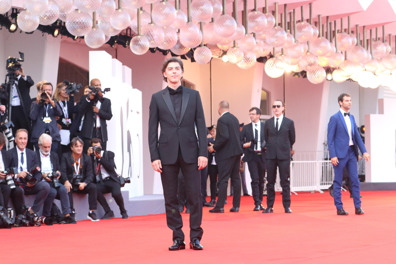 Venezia 2018: Michele Riondino sul red carpet di apertura
