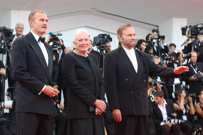 Venezia 2018: Vanessa Redgrave e Franco Nero sul red carpet di apertura