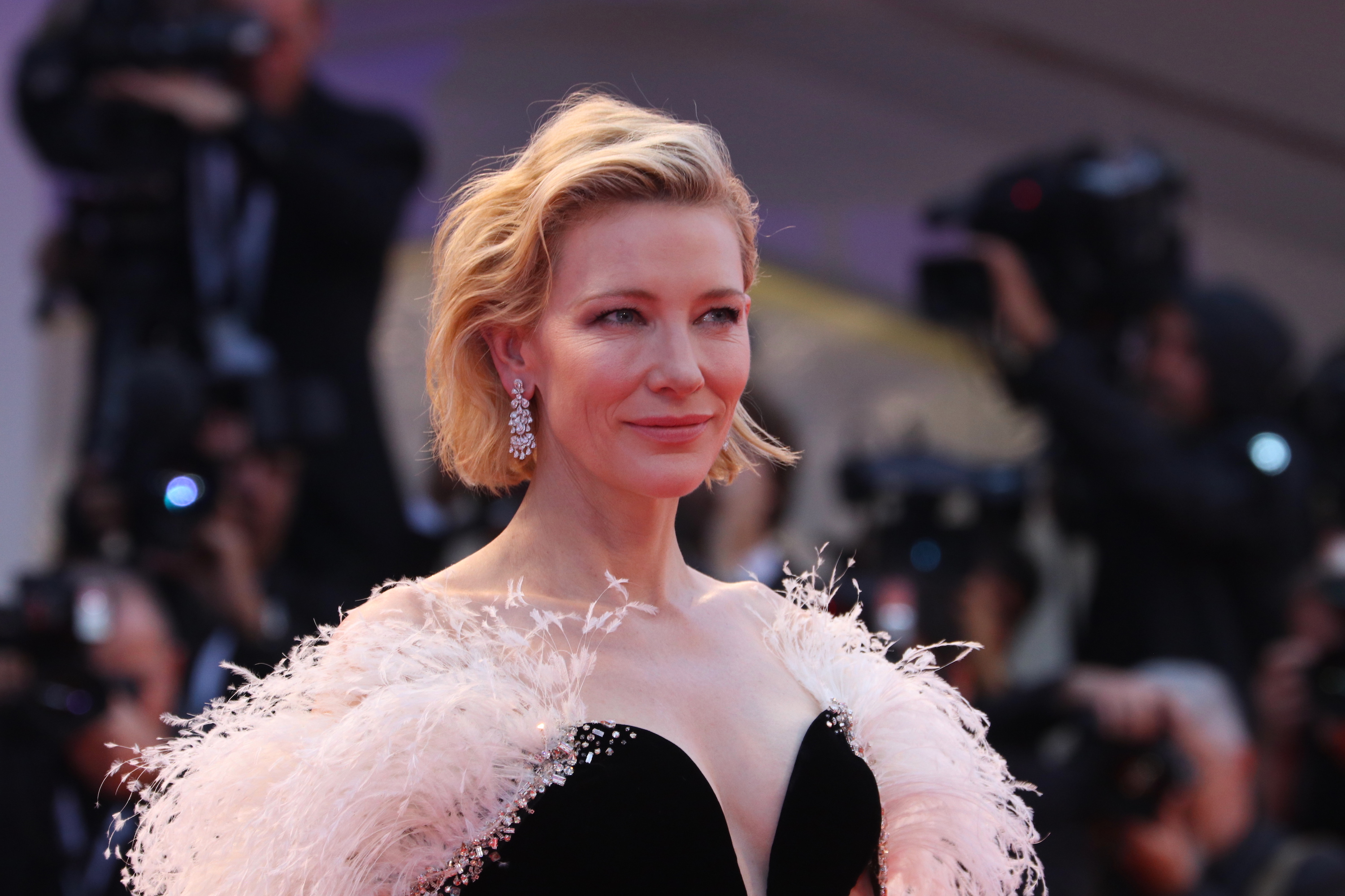 Venezia 2018: uno scatto di Cate Blanchett sul red carpet di A Star is Born