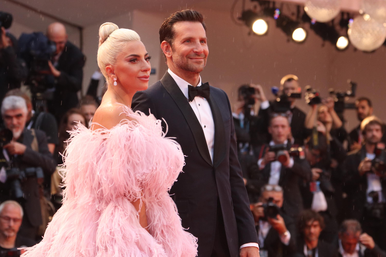 Venezia 2018: Bradley Cooper e Lady Gaga sul red carpet di A Star is Born