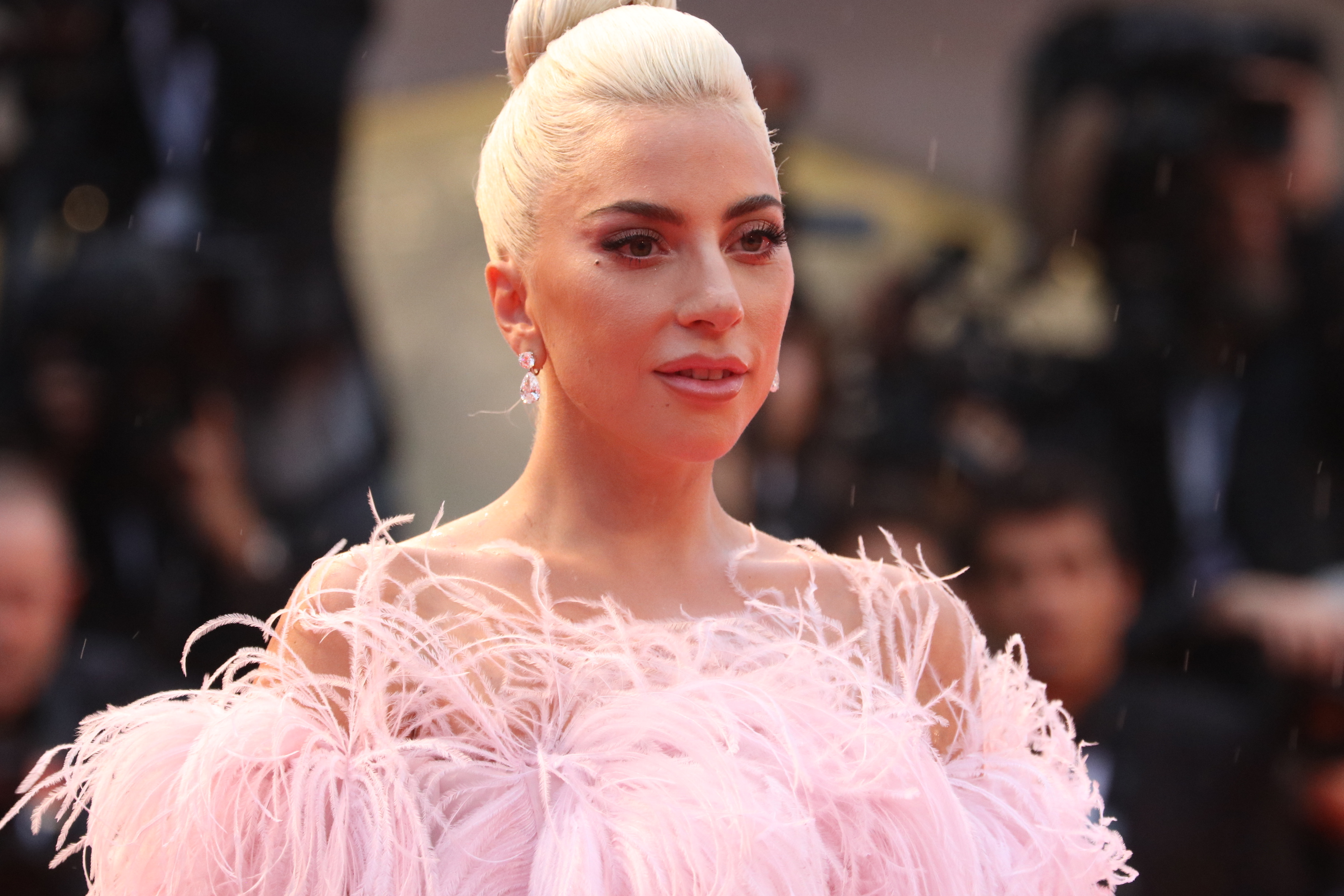 Venezia 2018: un primo piano di Lady Gaga sul red carpet di A Star is Born