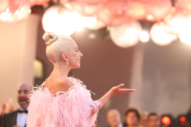 Venezia 2018: la cantante Lady Gaga sul red carpet di A Star is Born