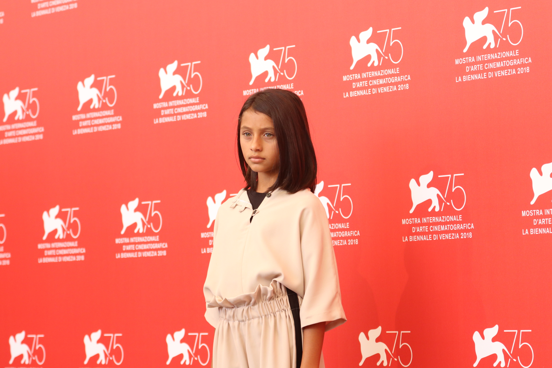 Venezia 2018: una delle piccole protagoniste al photocall de L'amica geniale