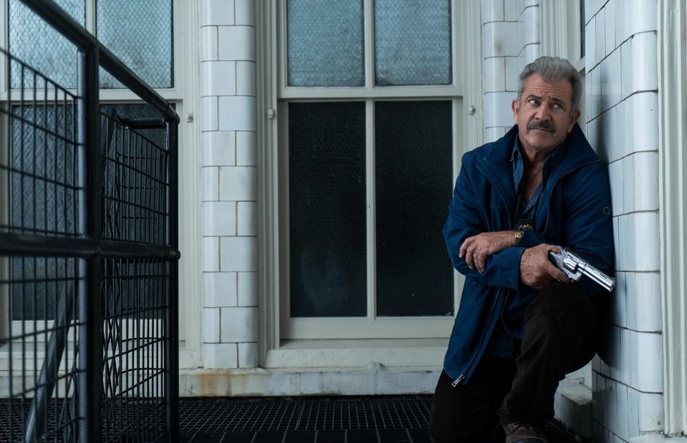 Dragged Across Concrete: Mel Gibson in una scena del film