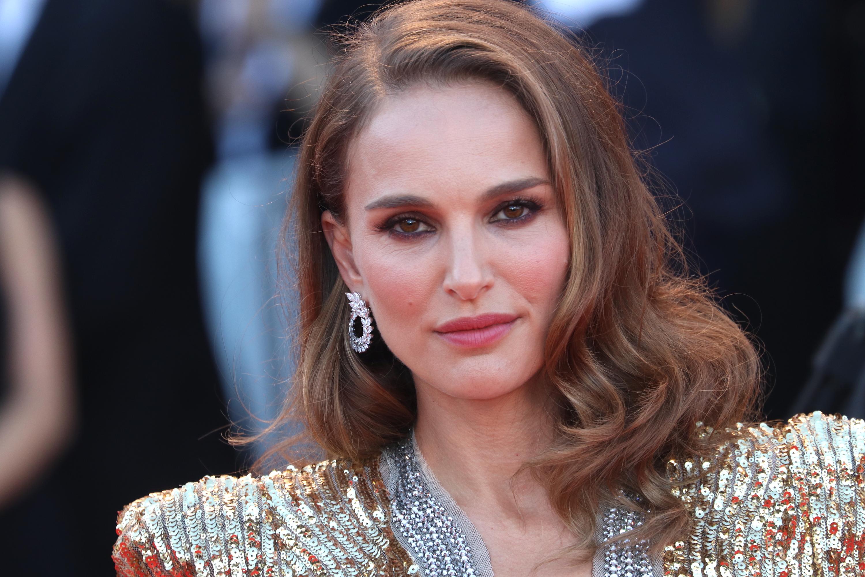 Venezia 2018: un primo piano di Natalie Portman sul red carpet di Vox Lux