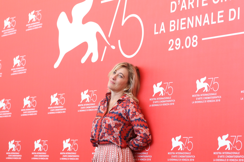 Venezia 2018: Valeria Bruni Tedeschi al photocall di Les Estivants