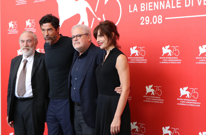 Venezia 2018: il cast al photocall di Una storia senza nome